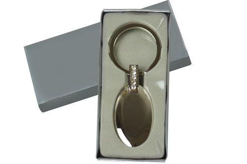 พวงกุญแจโลหะ,พวงกุญแจโลหะแบบวงรีมีเพชร
