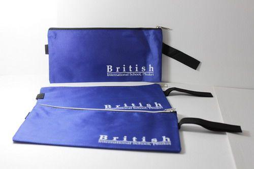 กระเป๋าผ้าใส่ดินสอ,ของพรีเมี่ยม,ของที่ระลึก,ของขวัญปีใหม่,ของที่ระลึกเกษียณอายุราชการ,ของที่ระลึกงานศพ ของขวัญแจกพนักงานกระเป๋าผ้าใส่ดินสอ,ของพรีเมี่ยม,ของที่ระลึก,ของขวัญปีใหม่,ของที่ระลึกเกษียณอายุราชการ,ของที่ระลึกงานศพ ของขวัญแจกพนักงานกระเป๋าใส่ดินสอ