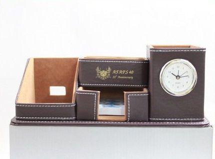 นาฬิกา,นาฬิกาตั้งโต๊ะ,นาฬิกากล่องหนังตั้งโต๊ะ ของขวัญปีใหม่