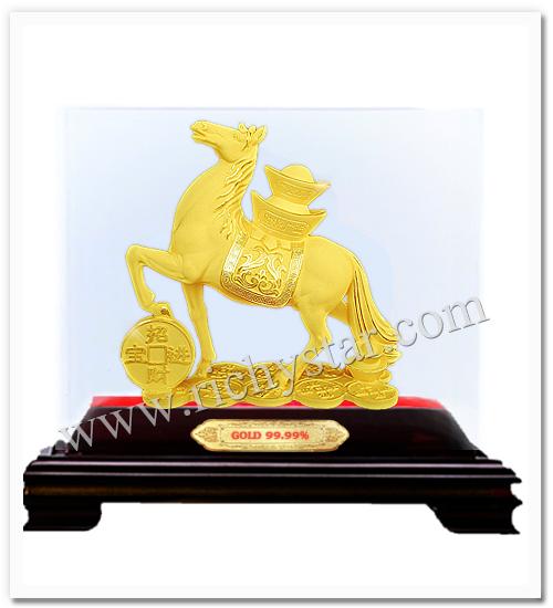 สัตว์มงคลจีน สัตว์มงคล ม้ามงคล ม้า ของขวัญปีใหม่2557 ของขวัญปีใหม่2014 ของขวัญปีมะเมีย ของขวัญปีใหม่ปีมะเมีย ของขวัญปีมะเมีย ของขวัญปีใหม่ปีม้า ของขวัญพรีเมีียมปีม้า รูปปั้นม้ามงคล รูปปั้นทอง99.99 ม้าทองคำ สินค้ามงคล ของมงคล เทพเจ้าจีน เจ้าแม่กวนอิม ทอง99.99 เทพเจ้ากวนอูขี่ม้า กวนอูขี่ม้า เทพกวนอูทรงม้า เทพเจ้าจีนกวนอูขี่ม้า ของขวัญผู้ใหญ่ ของขวัญทหาร ของขวัญตำรวจ ของขวัญนักการเมือง ของขวัญนักกฎหมาย ของขวัญมงคล ของขวัญปีใหม่ ตุ๊กตาจีนมงคล รูปปั้นทอง99.99  ตุ๊กตาทอง99.99  รูปปั้นทองทราย รูปปั้นทองพ่นทราย