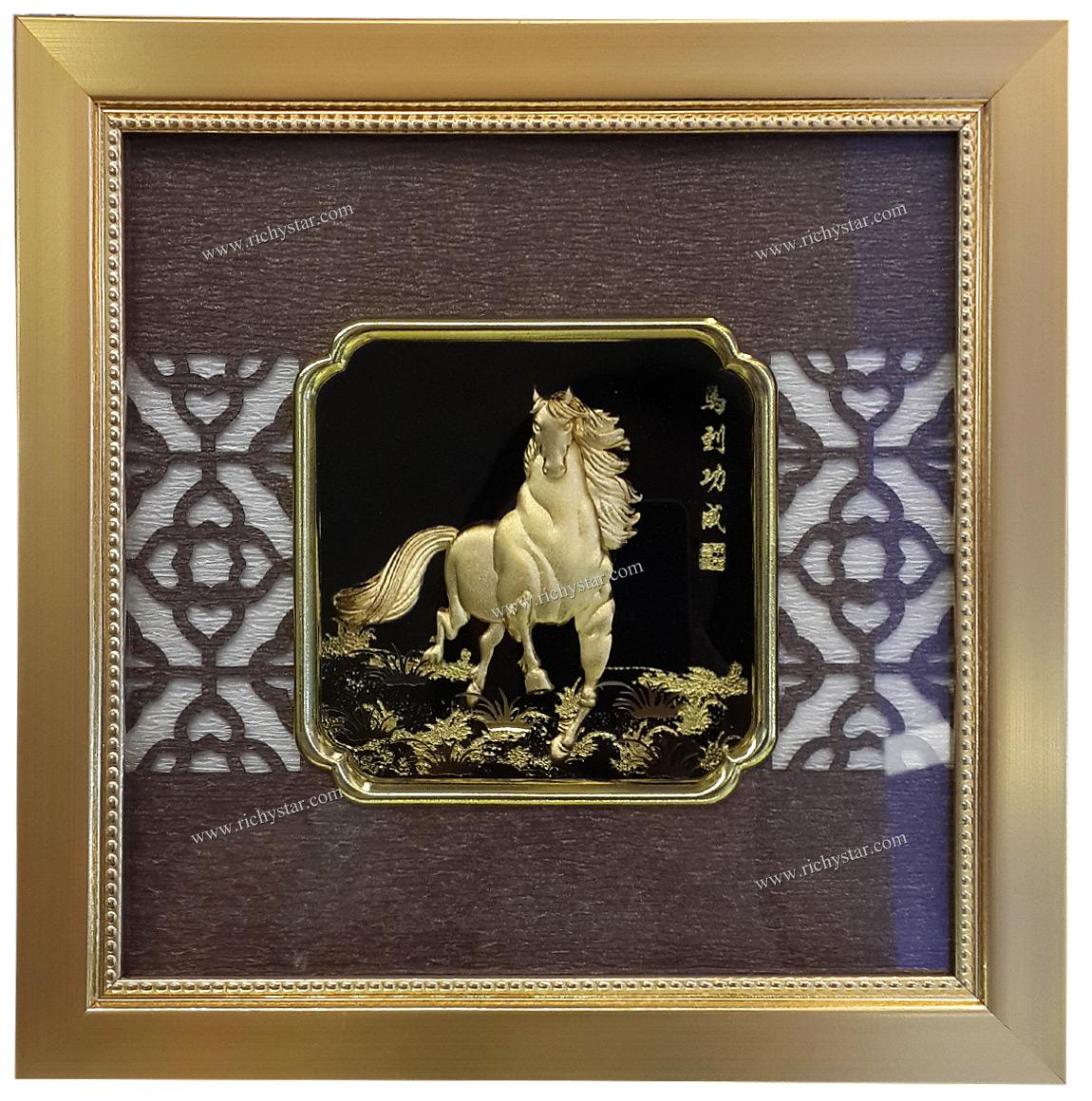 กรอบรูปแผ่นทองคำ กรอบรูปทองแผ่น99.99 กรอบรูปตั้งโต๊ะแผ่นทองคำ กรอบรูปแผ่นทอง กรอบรูปม้าทำจากทองคำ กรอบรูปม้ามงคล กรอบรูปตั้งโต๊ะม้า กรอบรูปตั๋งโต๊ะม้ามงคล ของขวัญปีใหม่ ของขวัญปีใหม่2557 ของขวัญปีใหม่2014 ของขวัญปีใหม่ปีม้า ของขวัญปีใหม่ปีมะเมีย ของขวัญมงคลให้ผู้ใหญ่ ของขวัญปีใหม่ให้ผู้ใหญ่ ของขวัญมงคลปีใหม่ปีม้า ของขวัญปีใหม่ให้บริษัท ของขวัญมงคลเปิดบริษัทใหม่