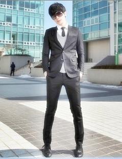 สูทสีดำสไตล์แฟชั่นเกาหลี เสื้อสูทสลิมฟิตกางเกงแบบพอดีตัว
