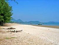หาดสามร้อยยอด