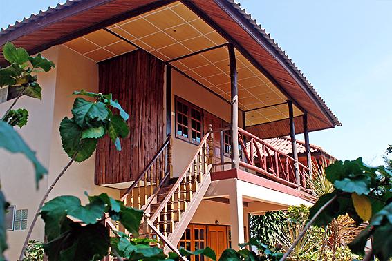 บ้านเคียงฟ้า-ศาลาไทยบีชรีสอร์ท