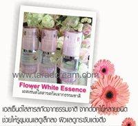 flower white esence เซรั่มรูขุมขนแลดูกระชับ