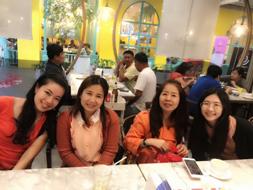 Thai friendly teachers at Thai Smile Languages in Thailand
