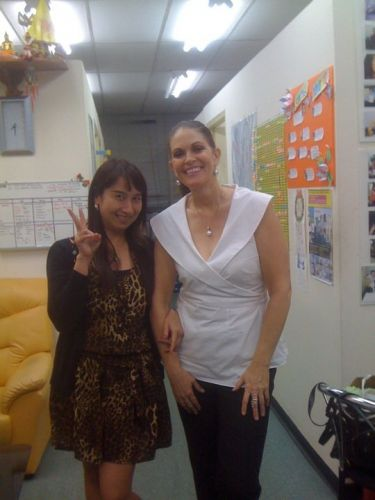 Thai teacher with student of Australia Embassy