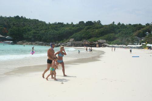 ชายหาดบนเกาะราชา,Racha Beach