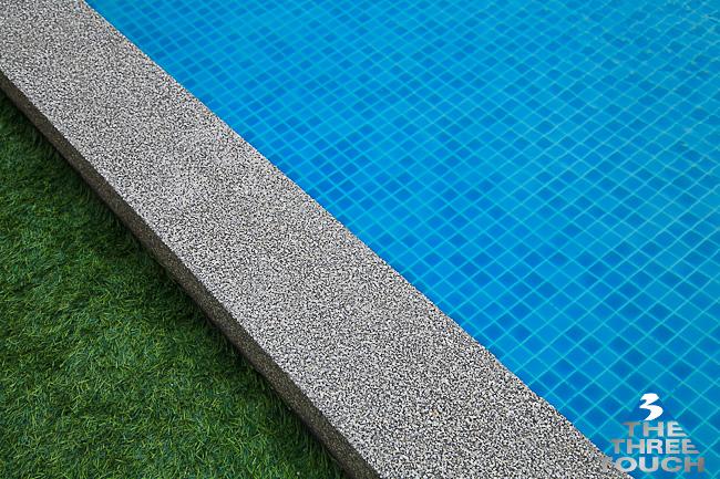 สระว่ายน้ำสวยๆ