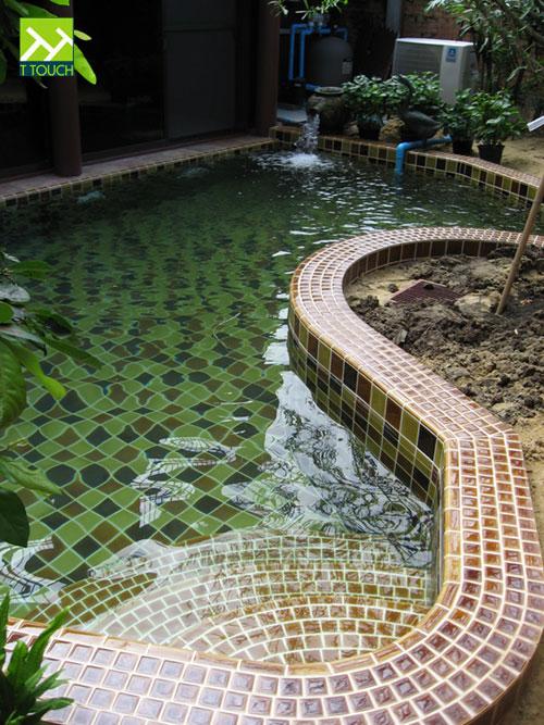 สระว่ายน้ำบ้านทรงไทย