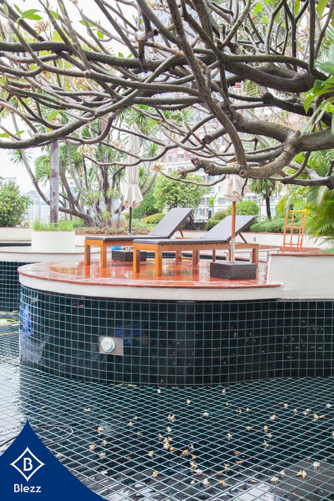 กระเบื้องสระว่ายน้ำ swimming pool
