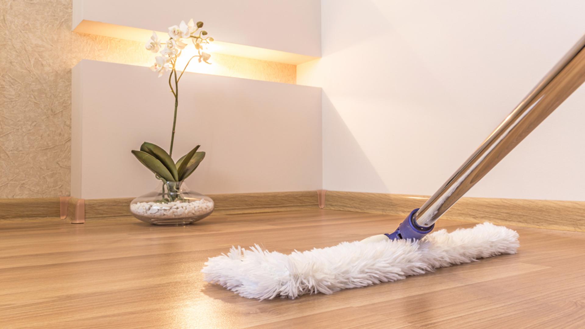 ทำความสะอาดพื้น