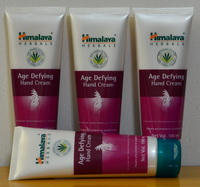 ครีมบำรุงมือ  Age Defying Hand Cream  by Himalaya Herbals
