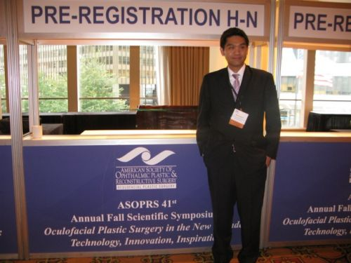 ประชุม วิชาการ 2010 American Academy of Ophthalmology , Atlanta, USA Nattawut Wanumkarng