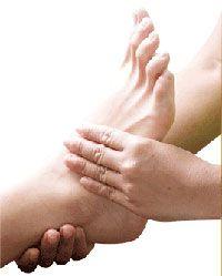 Thai massage หรือ การนวดแผนไทยโบราณ