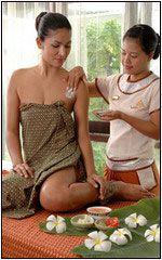 การใช้ประโยชน์ของน้ำมันหอมระเหย (Essential Oils) ในอโรมาเทอราปี (Aromatherapy)