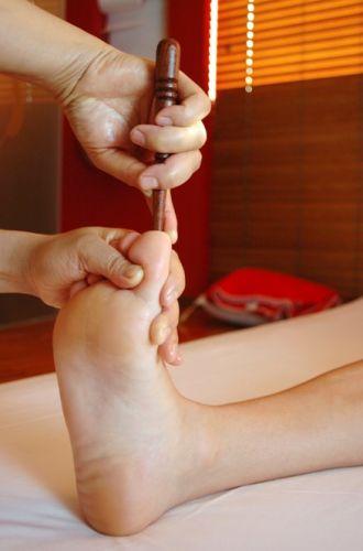 ขั้นตอนการนวดฝ่าเท้าและขั้นตอนการกดจุดฝ่าเท้า