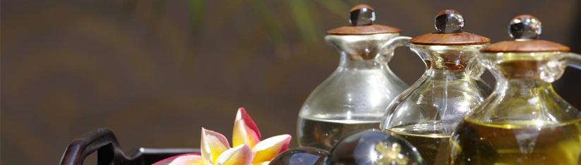 ข้อแตกต่างระหว่างน้ำมันหอมระเหยที่สกัดจากธรรมชาติ และน้ำมันหอมระเหยสังเคราะห์ (ของเทียม)