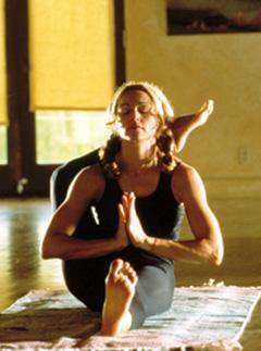 การเตรียมตัวฝึกโยคะ (Yoga) อุปกรณ์ของการฝึกโยคะ (Yoga) และเมื่อไร? ควรจะฝึกโยคะ (Yoga)