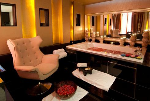 ประกาศรับสมัครพนักงานสปา: VIE Hotel Bangkok โรงแรมวี โฮเต็ล (ราชเทวี-ปิ่นเกล้า กรุงเทพฯ)