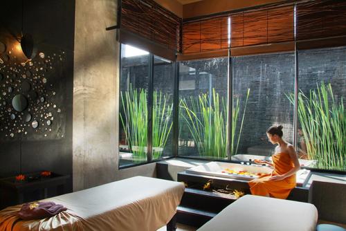 ประกาศรับสมัครพนักงานนวดสปาโรงแรม: Siam@Siam Design Hotel & Spa สยาม @ สยามดีไซน์ โฮเต็ล แอนด์ สปา (ปทุมวัน กรุงเทพฯ)